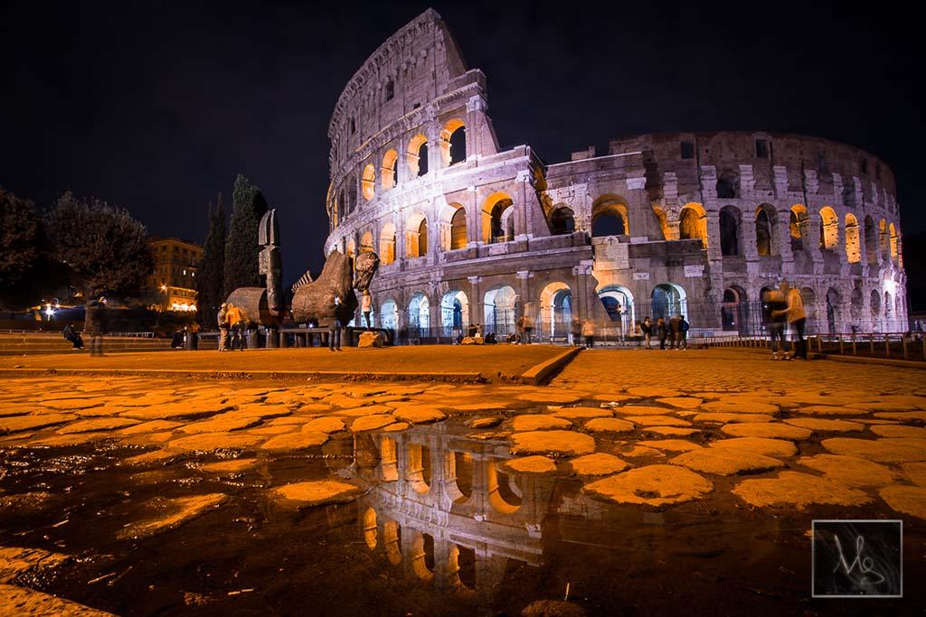 Colosseo Reflection